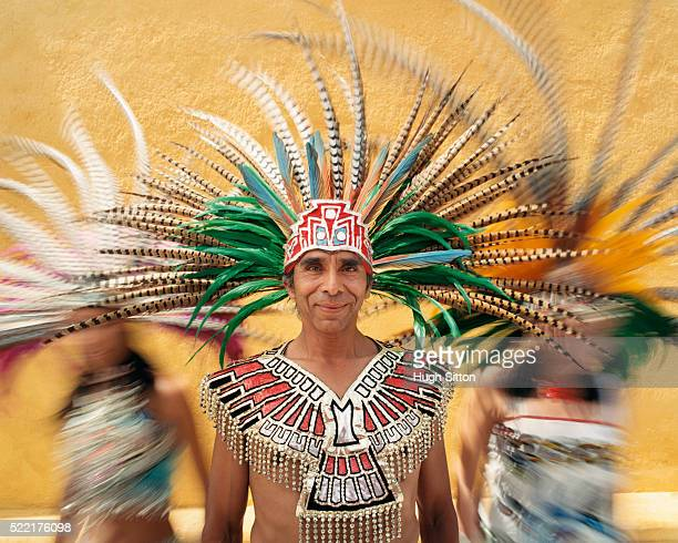 dancers in traditional headdresses - hugh sitton foto e immagini stock