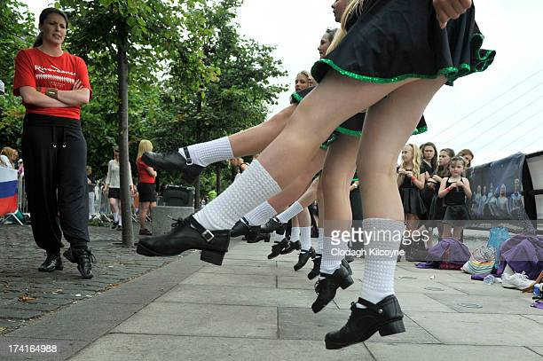 Dancers Ireland broke the World Record for the number of dancers in a continuous line with a total of 1693 people from 44 countries Irish Dancing on...