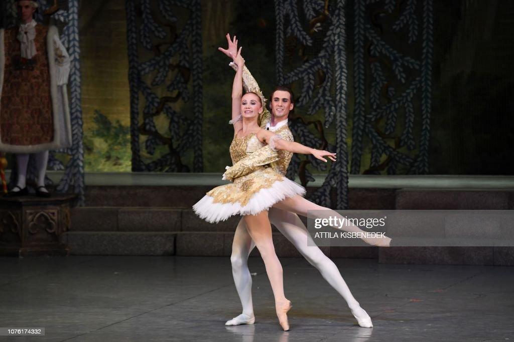 helt elegant fantastiskt pris kupongskod Dancers of Hungarian National Ballet, prima ballerina Russian ...