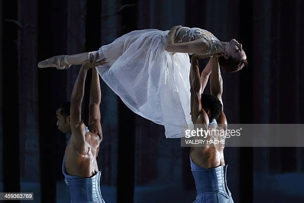 Dancers of the MonteCarlo ballet perform in the show CasseNoisette et Compagnie a new creation by French dancer and choreographer JeanChristophe...