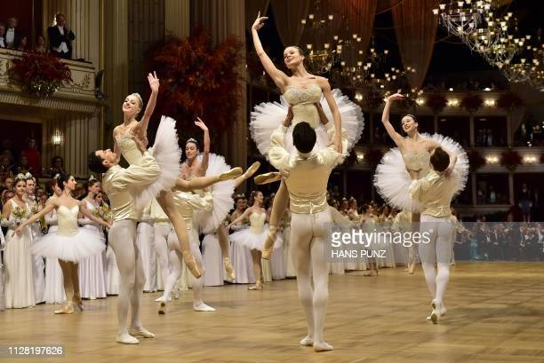 Dancers of the opera ballet perform during the Vienna Opera Ball on February 28 2019 in Vienna / Austria OUT