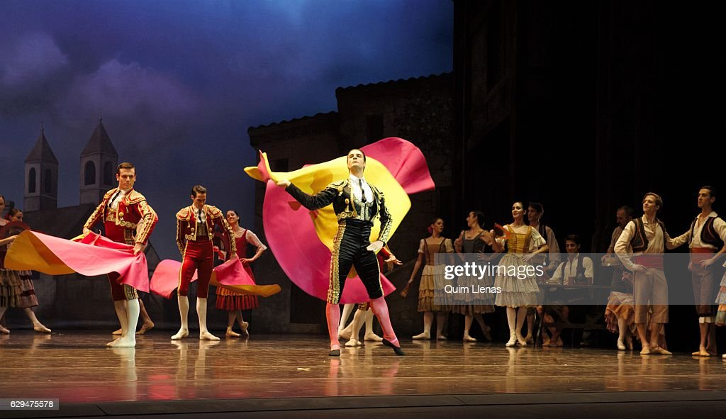 'Don Quijote' At Zarzuela Theatre : News Photo