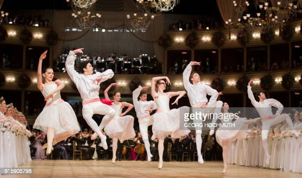 Dancers of the Vienna State Opera Ballet perform during the opening ceremony of the the Vienna Opera Ball on February 8 in Vienna / AFP PHOTO / APA /...