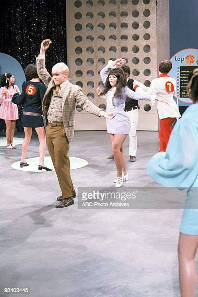BANDSTAND 9/13/1969 Dancers on American Bandstand' the most popular dance show of alltime