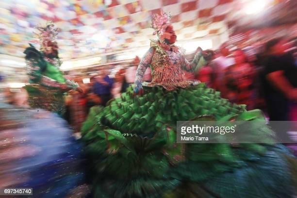 14 Rio Carnival Samba School Parades Threatened By Budget