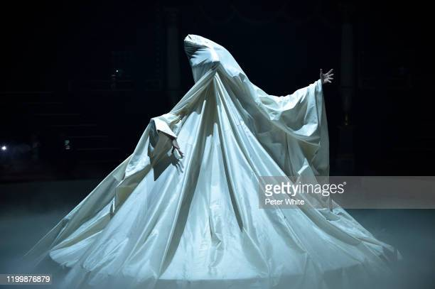 Dancers perform on the runway during the Undercover Menswear Fall/Winter 2020-2021 show as part of Paris Fashion Week on January 15, 2020 in Paris,...