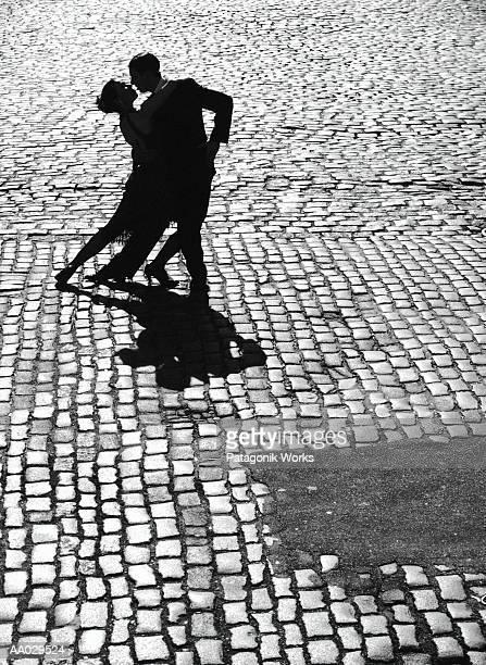 dancers performing the tango - tango tanz stock-fotos und bilder
