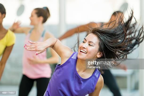 dancers - dance studio stock pictures, royalty-free photos & images