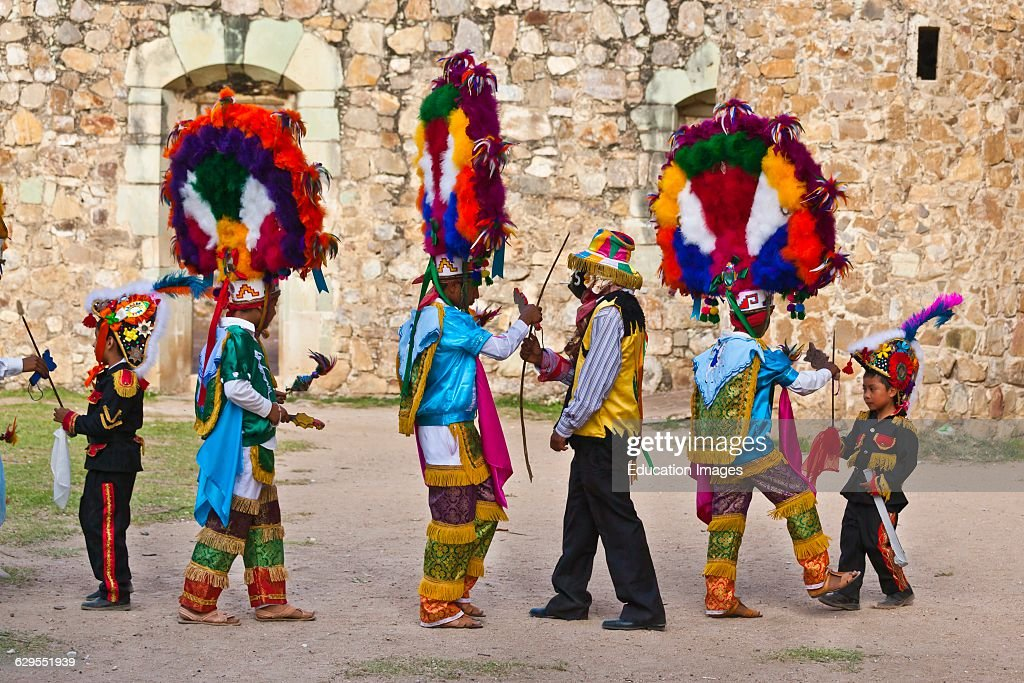 Dancer Reenacts Zapotec History During the Guelaguetza Festival, Cuilapan, Mexico : News Photo