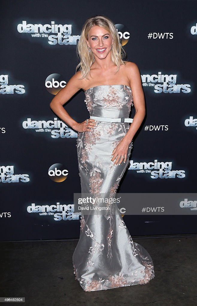 Dancer/TV personality Julianne Hough attends 'Dancing with the Stars' Season 21 at CBS Televison City on November 9, 2015 in Los Angeles, California.