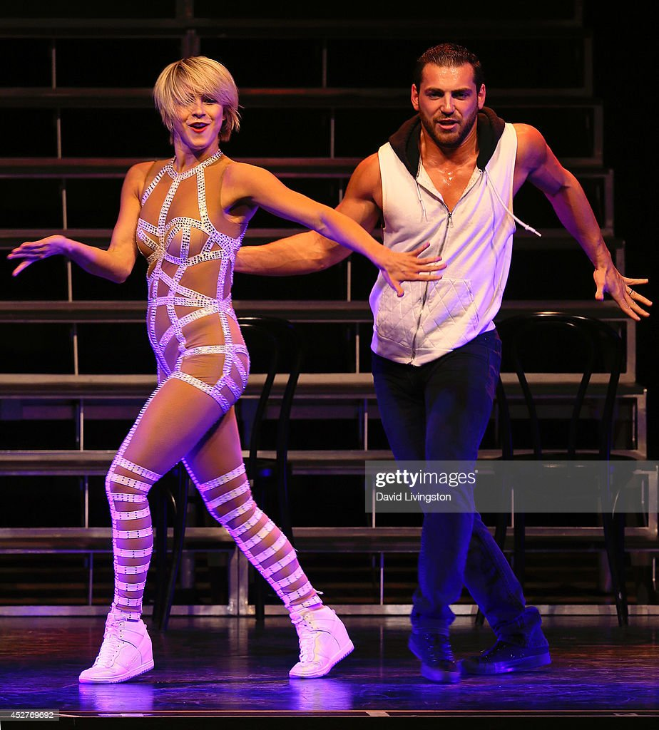 Julianne Hough And Derek Hough Move Live On Tour At The Orpheum Theatre : News Photo