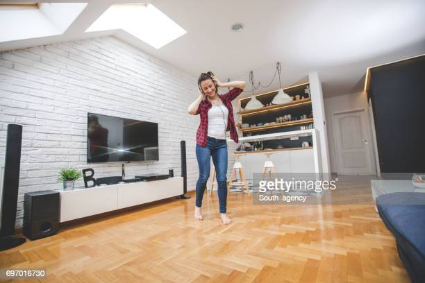 dancing all day - tv housewife stock photos and pictures