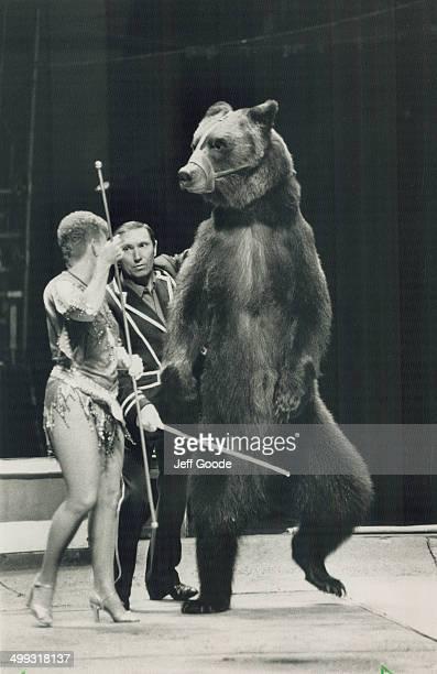 Dancing bear Raisa and Grant Ibragimov's bruins are among Moscow Circus acts performing at CNE bigtop
