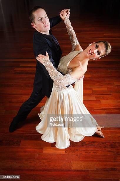 ダンスカップル