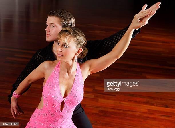 dancing couple - gewalt stockfoto's en -beelden