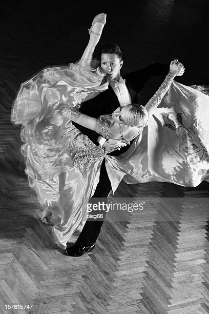 tanzen paar - ballsaal stock-fotos und bilder