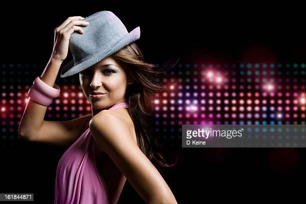 tanz mädchen - showgirl stock-fotos und bilder