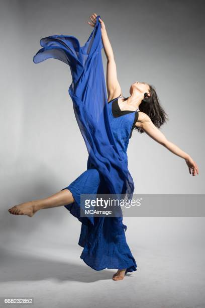 dancing girl - modern dancing stock pictures, royalty-free photos & images