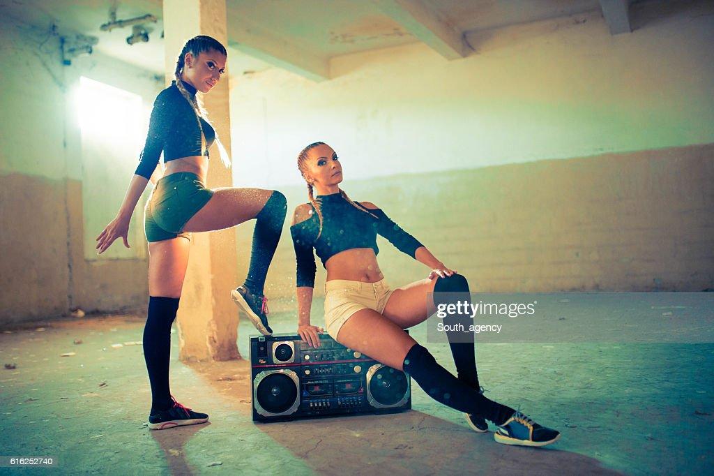 Dancing girls posing : Foto de stock