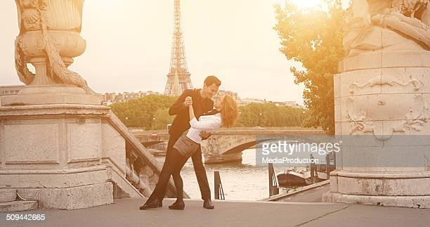 Tanzen auf die Straßen von Paris
