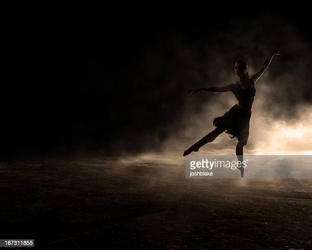 dancing in the dark - ballet dancer stock pictures, royalty-free photos & images