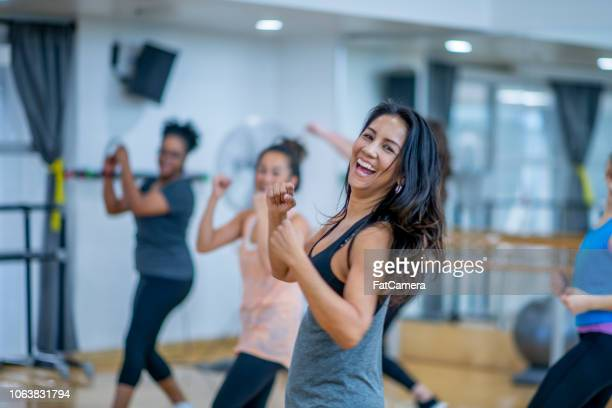 dancing to get healthy - dance studio stock pictures, royalty-free photos & images