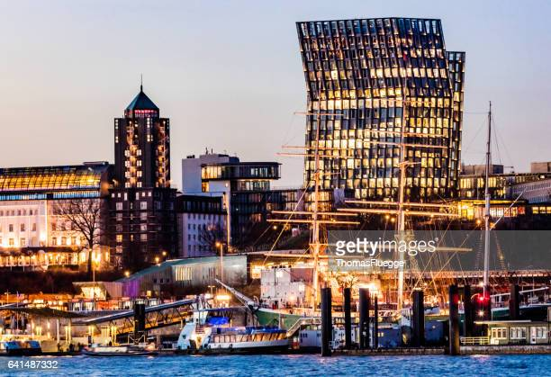 dancing towers hamburg - reeperbahn stock pictures, royalty-free photos & images