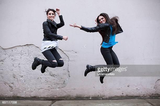 dancing  two beautiful young women having fun  hip hop - 22 jump street fotografías e imágenes de stock