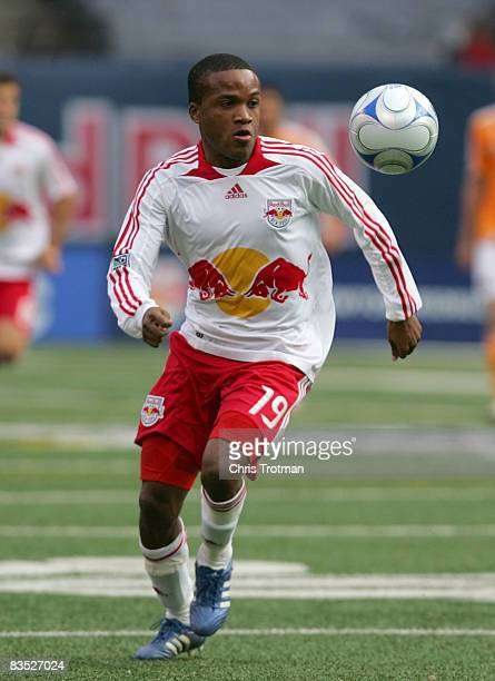 Dane Richards of the New York Red Bulls gets controll of the ball in the first half against the Houston Dynamo during the MLS Western Conference Semi...