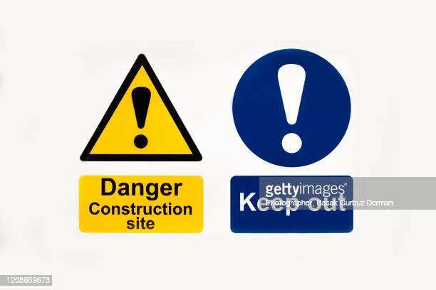 danger, keep out signs - 待避所標識 ストックフォトと画像