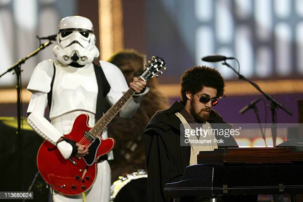 Danger Mouse of Gnarls Barkley performs 'Crazy'