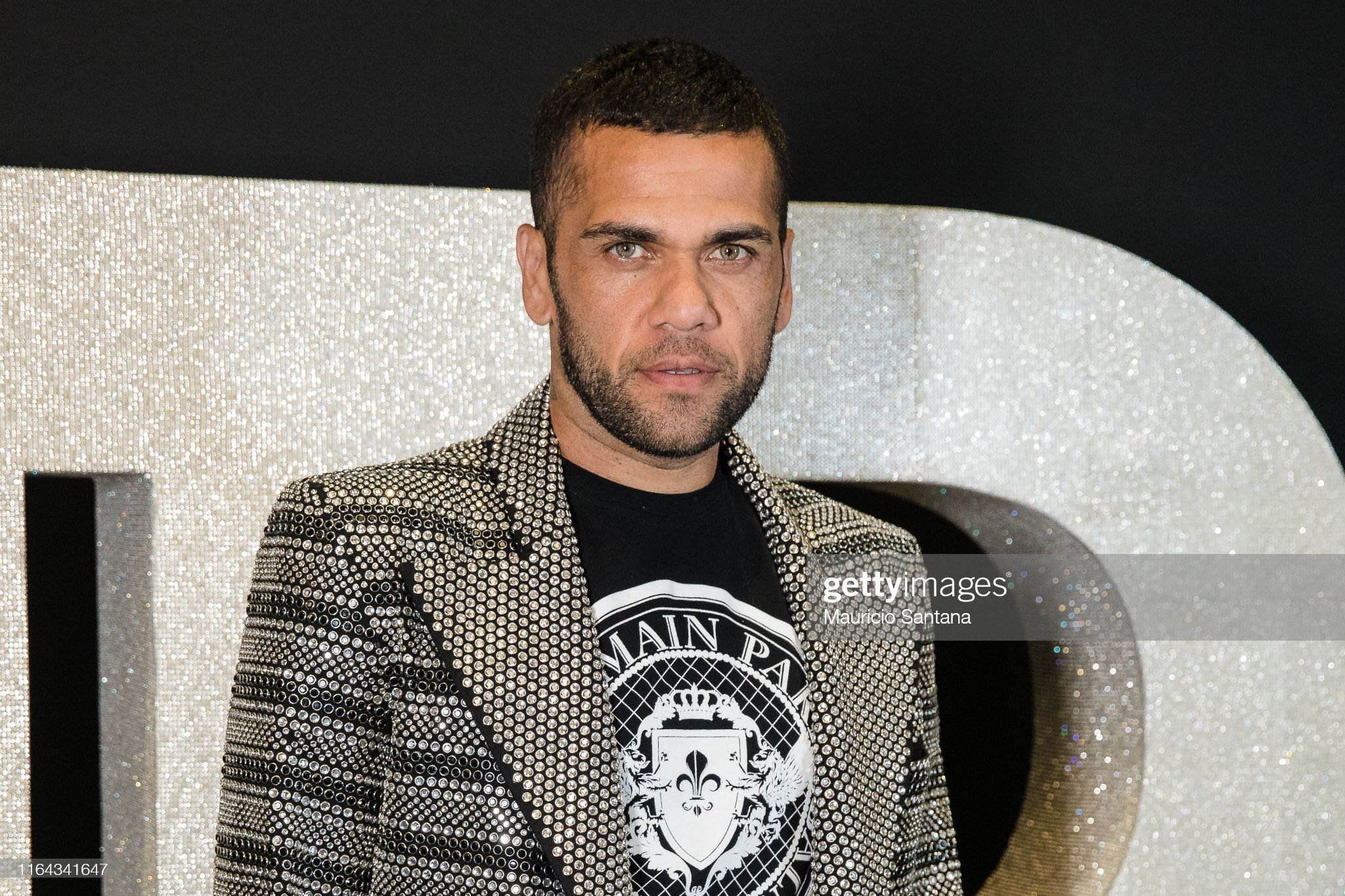 Ojos verdes - Famosas y famosos con los ojos de color VERDE Dani-alves-attends-the-balmain-party-at-cidade-jardim-shopping-on-26-picture-id1164341647?s=2048x2048