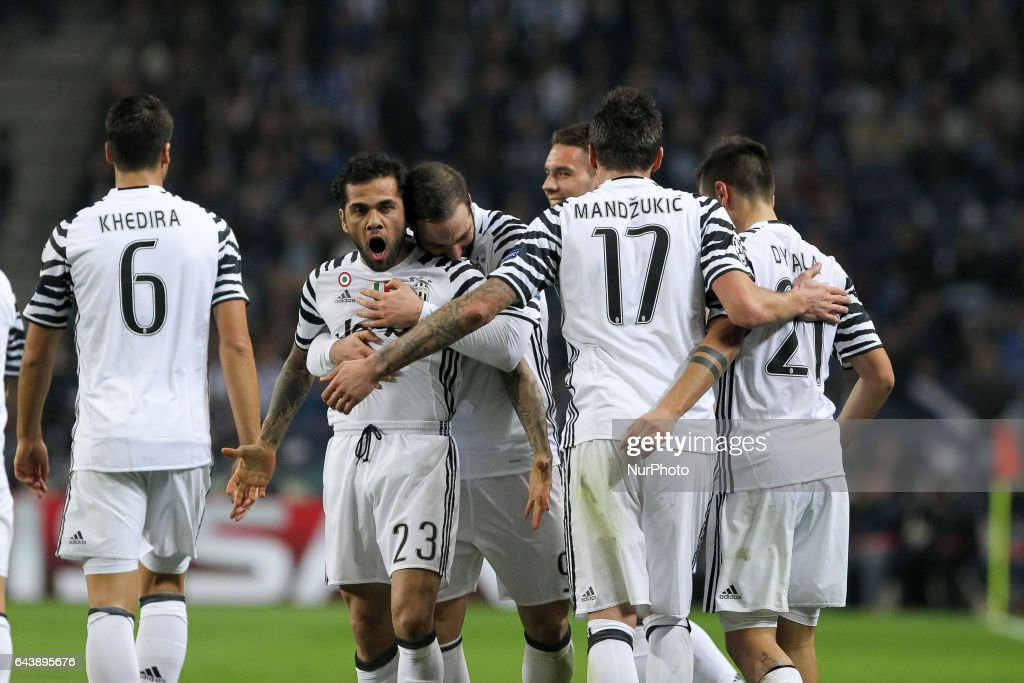 FC Porto v Juventus - UEFA Champions League Round of 16: First Leg : News Photo