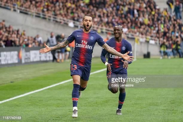 Dani Alves of PSG celebrates after scoring a goal during the Ligue 1 match between Nantes and Paris Saint Germain at Stade de la Beaujoire on April...