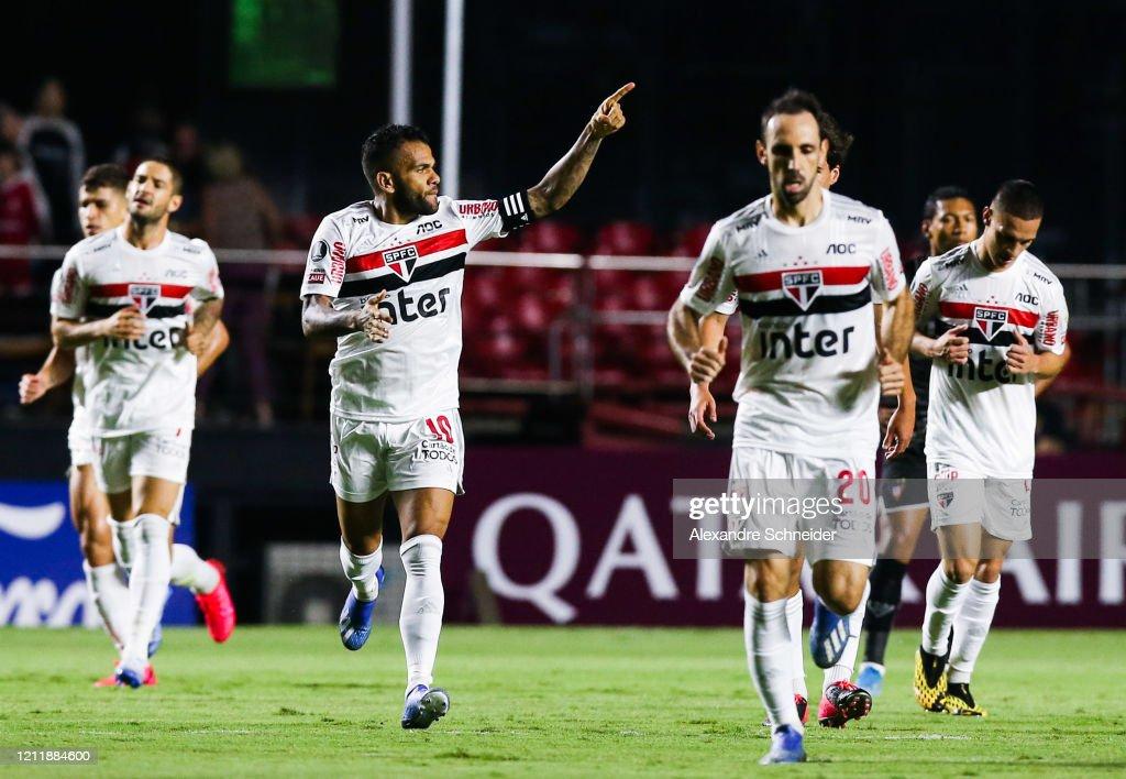 Sao Paulo v LDU - Copa CONMEBOL Libertadores 2020 : News Photo
