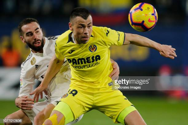Dani Carvajal of Real Madrid Javi Fuego of Villarreal during the La Liga Santander match between Villarreal v Real Madrid at the Estadio de la...
