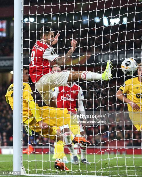 Dani Ceballos of Arsenal scores their 4th goal during the UEFA Europa League group F match between Arsenal FC and Standard Liege at Emirates Stadium...