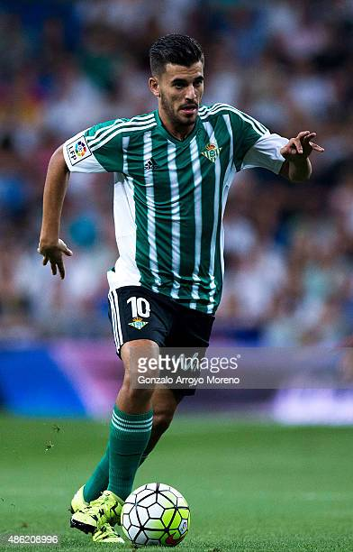 Dani Ceballos of Real Betis Balompie controls the ball during the La Liga match between Real Madrid CF and Real Betis Balompie at Estadio Santiago...