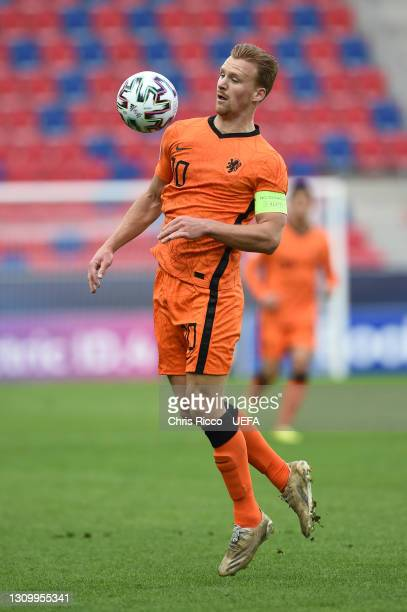 Dani de Wit of Netherlands controls the ball during the 2021 UEFA European Under-21 Championship Group A match between Netherlands and Hungary at...