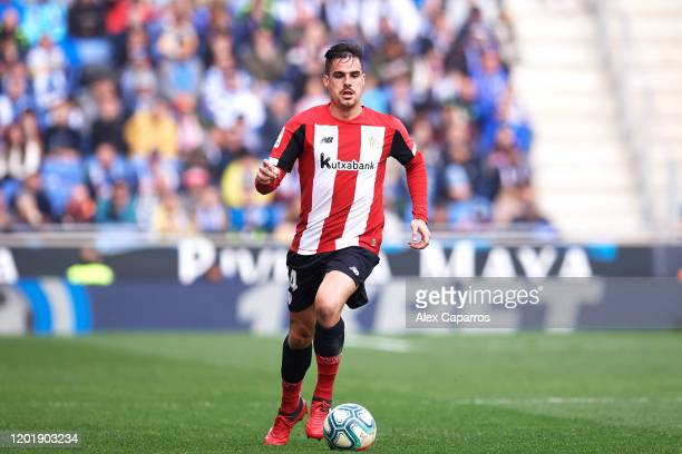 Dani Garcia of Athletic Club conducts the ball during the Liga match between RCD Espanyol and Athletic Club at RCDE Stadium on January 25, 2020 in...