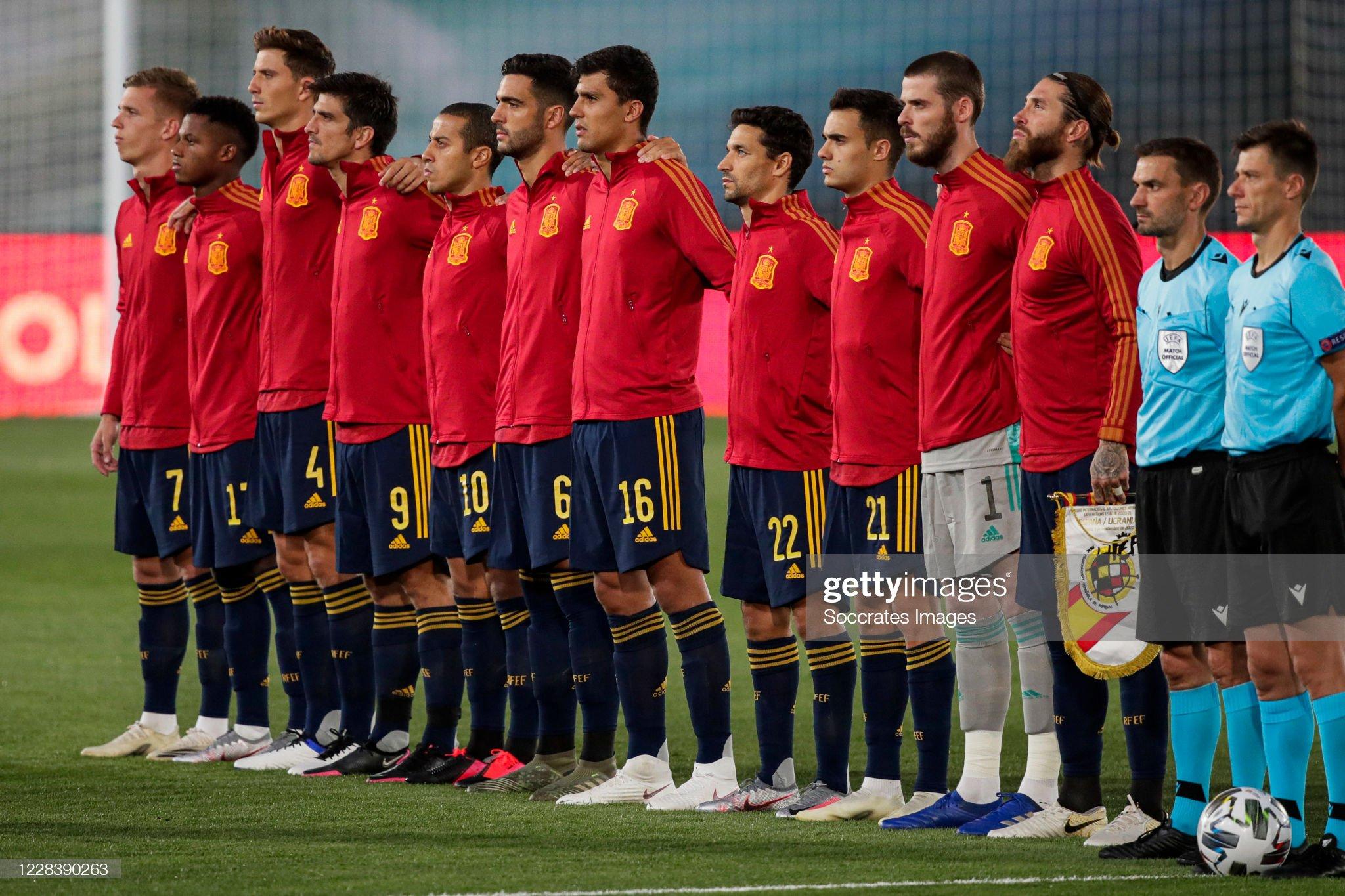Hilo de la selección de España (selección española) - Página 2 Dani-olmo-of-spain-ansu-fati-of-spain-pau-torres-of-spain-gerard-of-picture-id1228390263?s=2048x2048