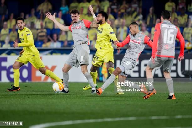Dani Parejo of Villarreal, Mergim Berisha of FC Salzburg, Etienne Capoue of Villarreal, Antoine Bernede of FC Salzburg, Zlatko Junuzovic of FC...