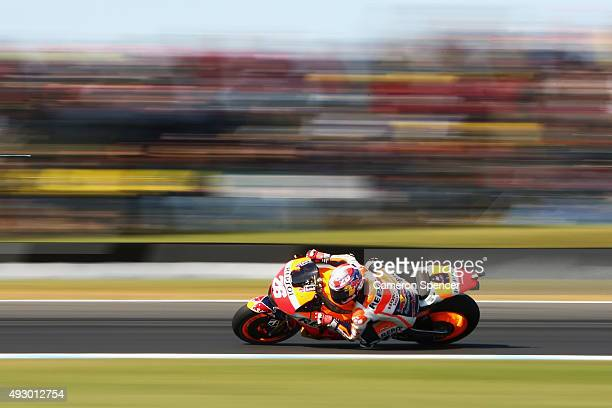 Dani Pedrosa of Spain and Repsol Honda rides during qualifying for the 2015 MotoGP of Australia at Phillip Island Grand Prix Circuit on October 17...