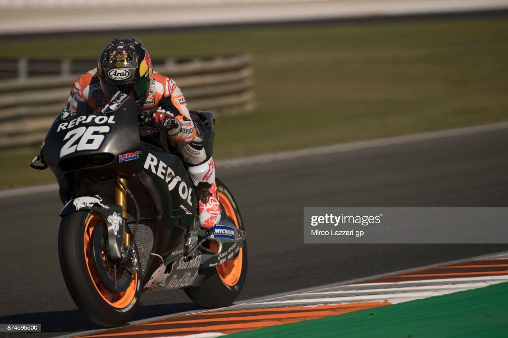 Dani Pedrosa of Spain and Repsol Honda Team heads down a straight during the MotoGP Tests In Valencia day 2 at Comunitat Valenciana Ricardo Tormo Circuit on November 15, 2017 in Valencia, Spain.