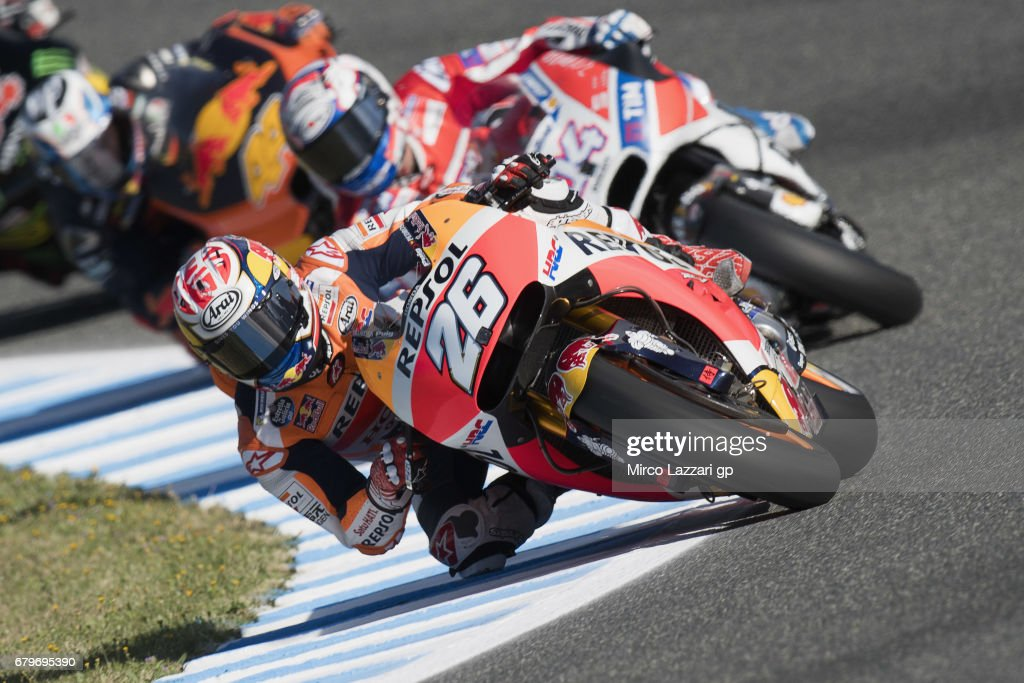 Dani Pedrosa of Spain and Repsol Honda Team leads the field during the MotoGp of Spain - Qualifying at Circuito de Jerez on May 6, 2017 in Jerez de la Frontera, Spain.