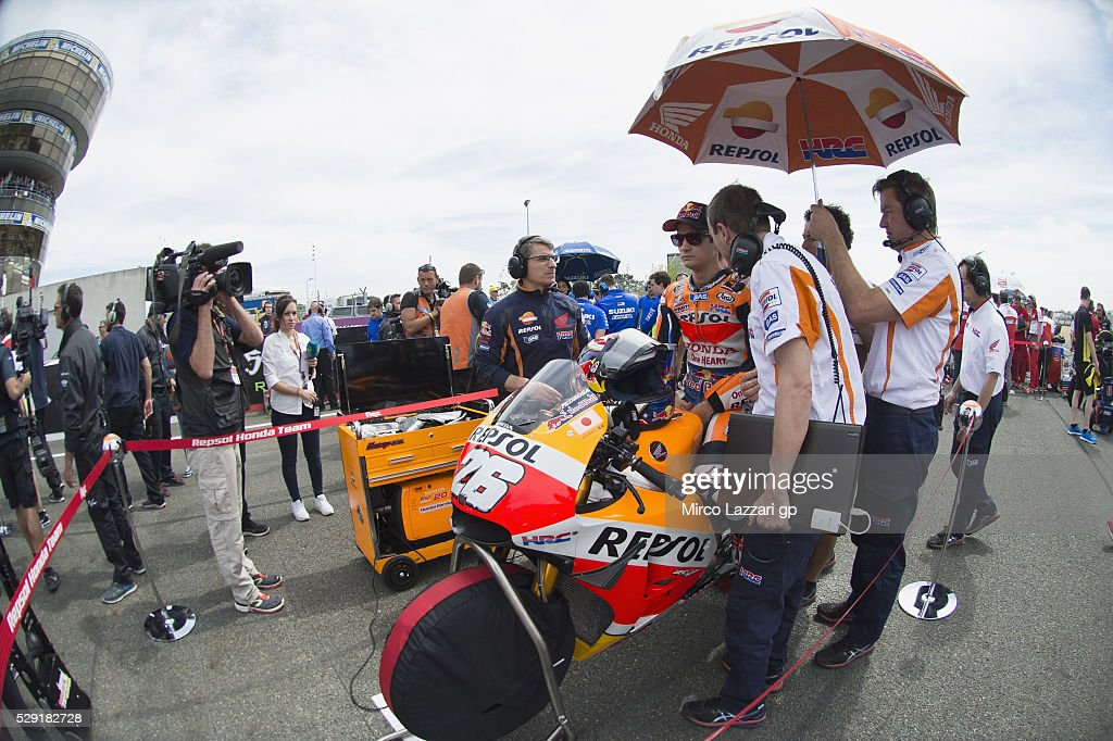 Dani Pedrosa of Spain and Repsol Honda Team prepares to start on the grid during the MotoGP race during the MotoGp of France - Race at on May 8, 2016 in Le Mans, France.
