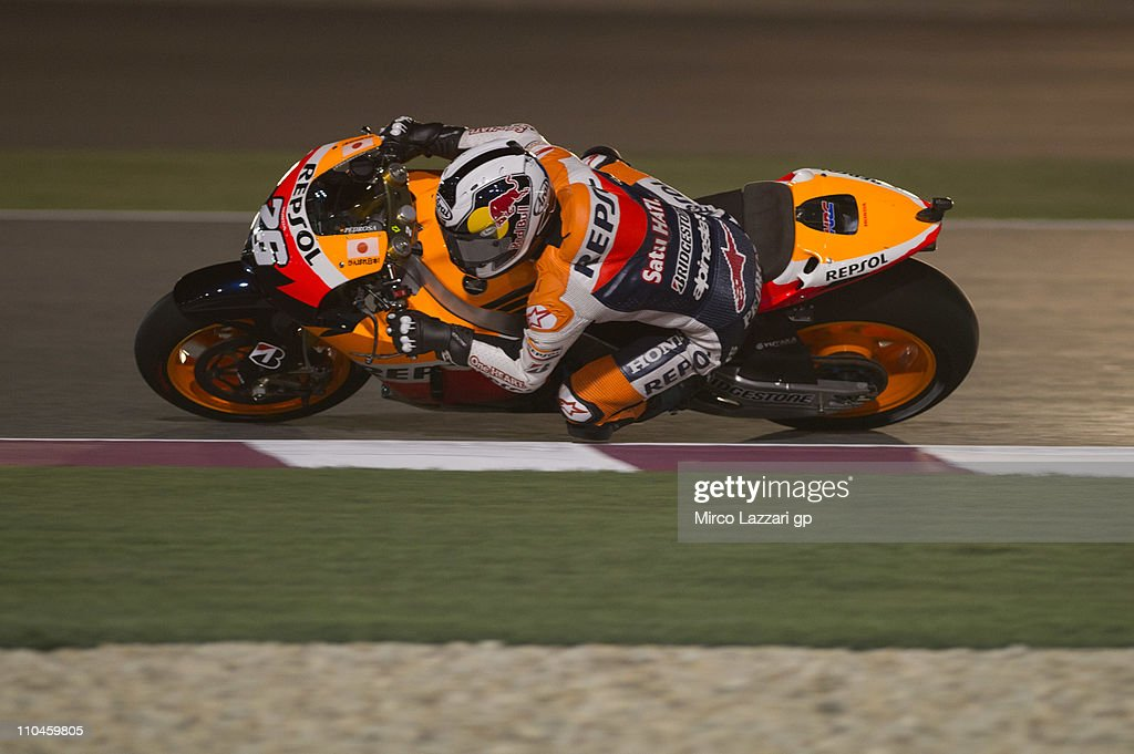 Dani Pedrosa of Spain and Repsol Honda Team rounds the bend during the free practice of Doha GP at Losail Circuit on March 18, 2011 in Doha, Qatar.