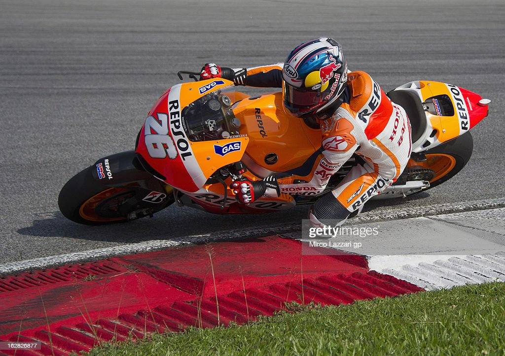 Dani Pedrosa of Spain and Repsol Honda Team rounds the bend during MotoGP Tests in Sepang - Day Three at Sepang Circuit on February 28, 2013 in Kuala Lumpur, Malaysia.