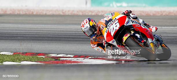 Dani Pedrosa of Spain and Repsol Honda Team rounds the bend during the MotoGP Tests In Sepang at Sepang Circuit on February 1 2016 in Kuala Lumpur...