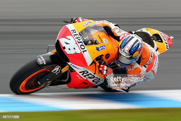 Dani Pedrosa of Spain rides the Repsol Honda Team Honda during qualifying for the 2014 MotoGP of Australia at Phillip Island Grand Prix Circuit on...